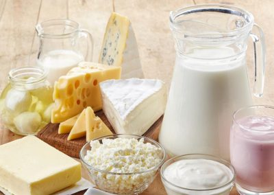 هل الحليب ومنتجات الألبان ضارة ؟