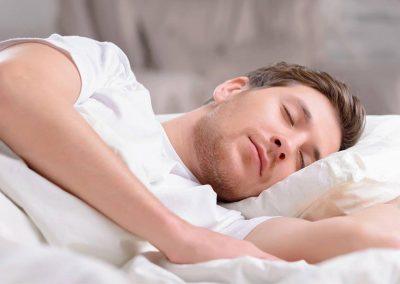 العلم النوم ! ما الرابط بينهما وماذا يحدث للجسم خلال النوم